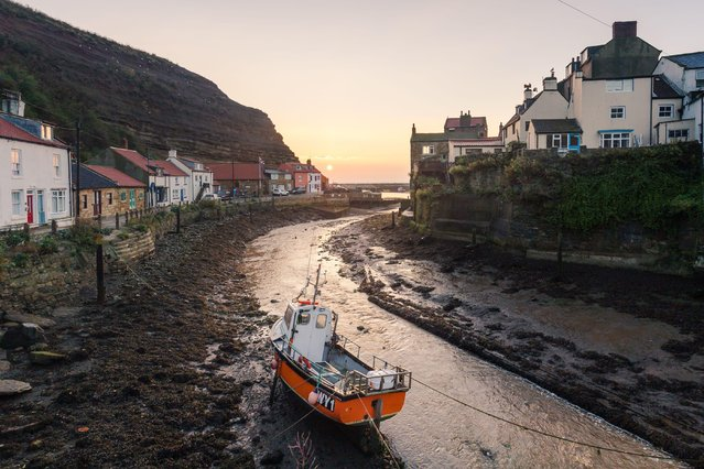 A moored boat at Staithes on August 26, 2016. (Photo by Dave Zdanowicz/Rex Features/Shutterstock)