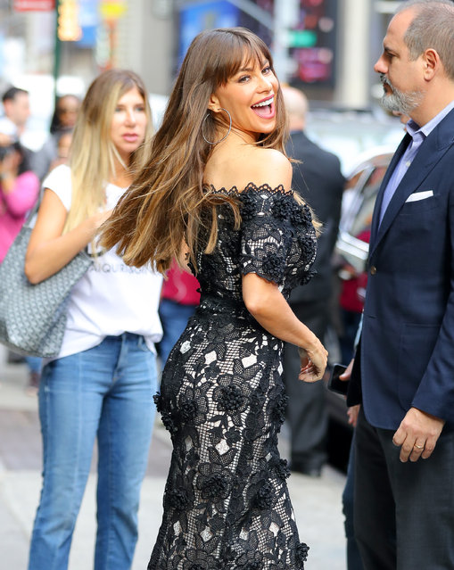 """Sofia Vergara  is all smiles as she leaves """"Good Morning America"""" in Times Square, New York City, New York, USA on September 27, 2017. (Photo by  Felipe Ramales/Splash News and Pictures)"""