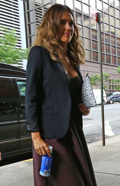 Jessica Alba Upskirt Leaving The Trump Soho Hotel In NYC