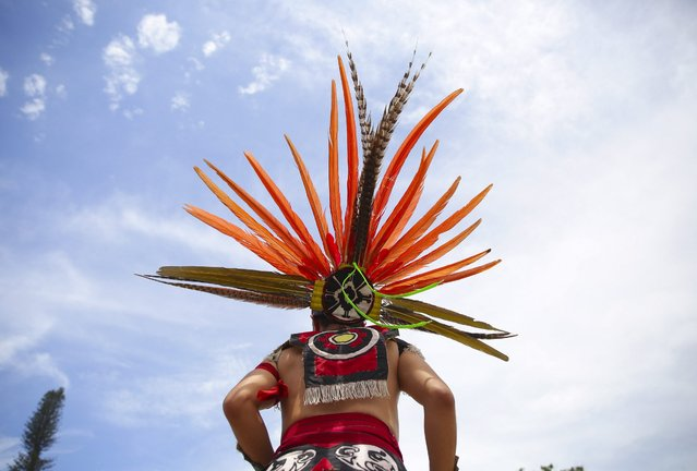 Salvadoran indigenous participate in the International Day of the Indigenous Peoples at Divino Slavador square in San Salvador, El Salvador, 09 August 2016. (Photo by Oscar Rivera/EPA)