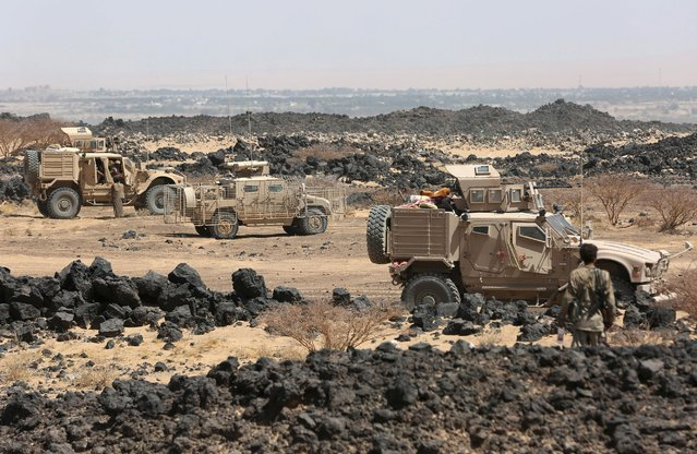 Emirati armoured vehicles are seen on the Yemeni front line province of Marib September 15, 2015. (Photo by Reuters/Stringer)