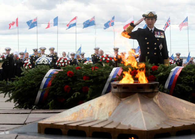 Britain's Princess Anna attends a wreath-laying ceremony at the Victory Monument during festive commemorations for the 75th anniversary of the arrival of the first allied Arctic Convoy, Operation Dervish, at the northern port of the Soviet Union during World War Two, in Arkhangelsk, Russia, August 31, 2016. (Photo by Maxim Zmeyev/Reuters)