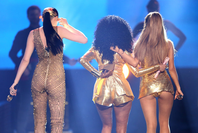 Jessie J, from left, Nicki Minaj and Ariana Grande perform at the 42nd annual American Music Awards at Nokia Theatre L.A. Live on Sunday, November 23, 2014, in Los Angeles. (Photo by Matt Sayles/Invision/AP Photo)