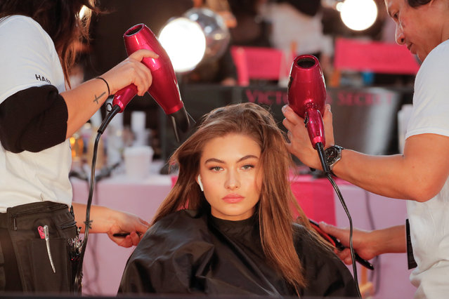 Gigi Hadid is styled backstage during the Victoria's Secret fashion show in the Manhattan borough of New York City, U.S., November 8, 2018. (Photo by Caitlin Ochs/Reuters)