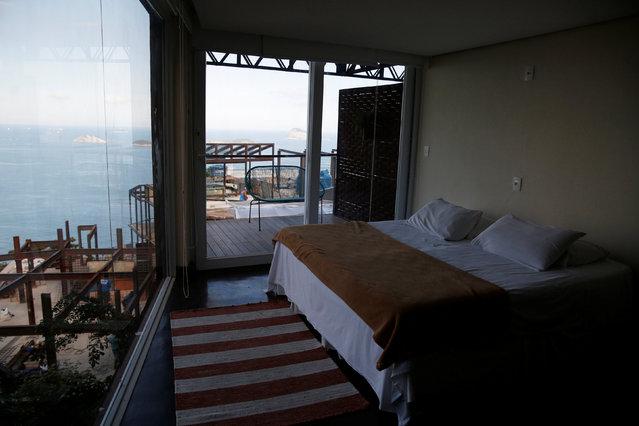 A suite is seen at the Mirante do Arvrao hostel in Vidigal favela, in Rio de Janeiro, Brazil, April 5, 2016. (Photo by Pilar Olivares/Reuters)