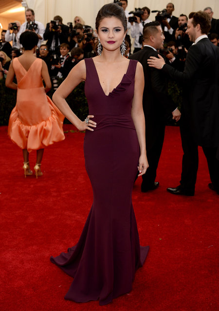 "Selena Gomez attends the ""Charles James: Beyond Fashion"" Costume Institute Gala at the Metropolitan Museum of Art on May 5, 2014 in New York City. (Photo by Dimitrios Kambouris/Getty Images)"
