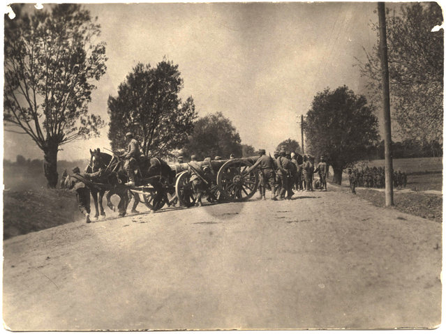 Austrian soldiers with large artillery. (Photo by Dr. P.A. Smithe/National World War I Museum, Kansas City, Mo.)