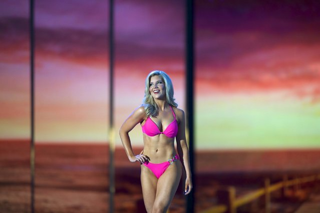 Miss Texas, Shannon Sanderford competes in the swimsuit competition during the first night of preliminaries of Miss America at Boardwalk Hall in Atlantic City, New Jersey, September 8, 2015. (Photo by Mark Makela/Reuters)
