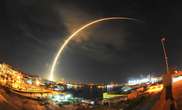 A SpaceX Falcon 9 rocket launches from Launch Complex 40 at Cape Canaveral Air Force Station in Florida, early Sunday, August 14, 2016, with a Japanese communications satellite. (Photo by Malcolm Denemark/Florida Today via AP Photo)